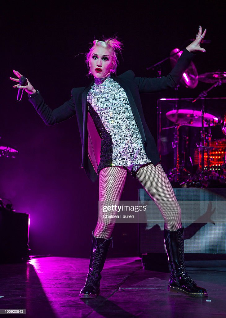 Vocalist Gwen Stefani of No Doubt performs at Gibson Amphitheatre on November 24, 2012 in Universal City, California.