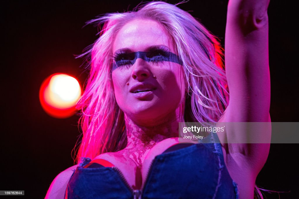 Vocalist Heidi Shepherd of Butcher Babies performs onstage at Bogart's on January 19, 2013 in Cincinnati, Ohio.