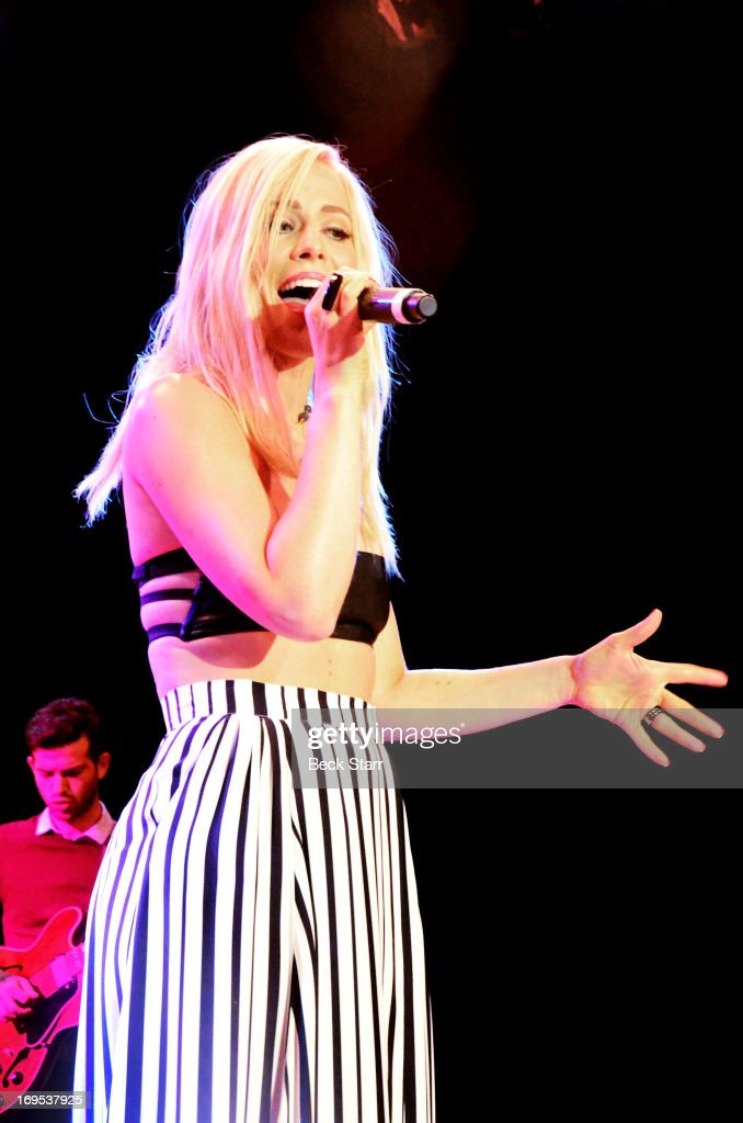 Vocalist <a gi-track='captionPersonalityLinkClicked' href=/galleries/search?phrase=Natasha+Bedingfield&family=editorial&specificpeople=171728 ng-click='$event.stopPropagation()'>Natasha Bedingfield</a> performs at the L.A. Gay & Lesbian Center's 2013 'An Evening With Women' gala at The Beverly Hilton Hotel on May 18, 2013 in Beverly Hills, California.