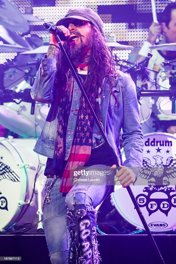 Vocalist <a gi-track='captionPersonalityLinkClicked' href=/galleries/search?phrase=Rob+Zombie&family=editorial&specificpeople=217722 ng-click='$event.stopPropagation()'>Rob Zombie</a> performs at the 5th annual Revolver Golden Gods award show at Club Nokia on May 2, 2013 in Los Angeles, California.