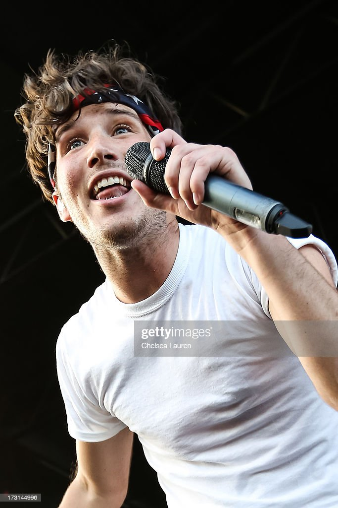 Vocalist Zachary David Porter of Allstar Weekend performs at the Vans Warped Tour on June 23, 2013 in Ventura, California.