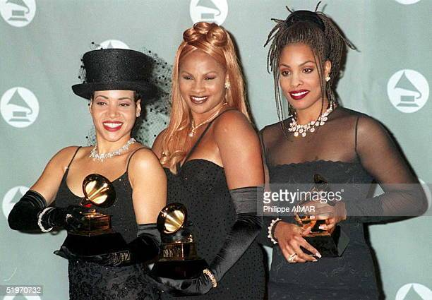 Vocalists Salt N Pepa pose with their Grammys for Best Rap Performance by a Group 01 March at the 37th Annual Grammy Awards in Los Angeles AFP PHOTO