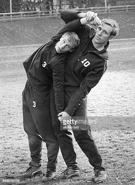 Vogts Berti * Fussballspieler Fussballtrainer D Borussia Moenchengladbach 19651979 Nationalspieler 19671978 Weltmeister 1974 mit Guenter Netzer beim...