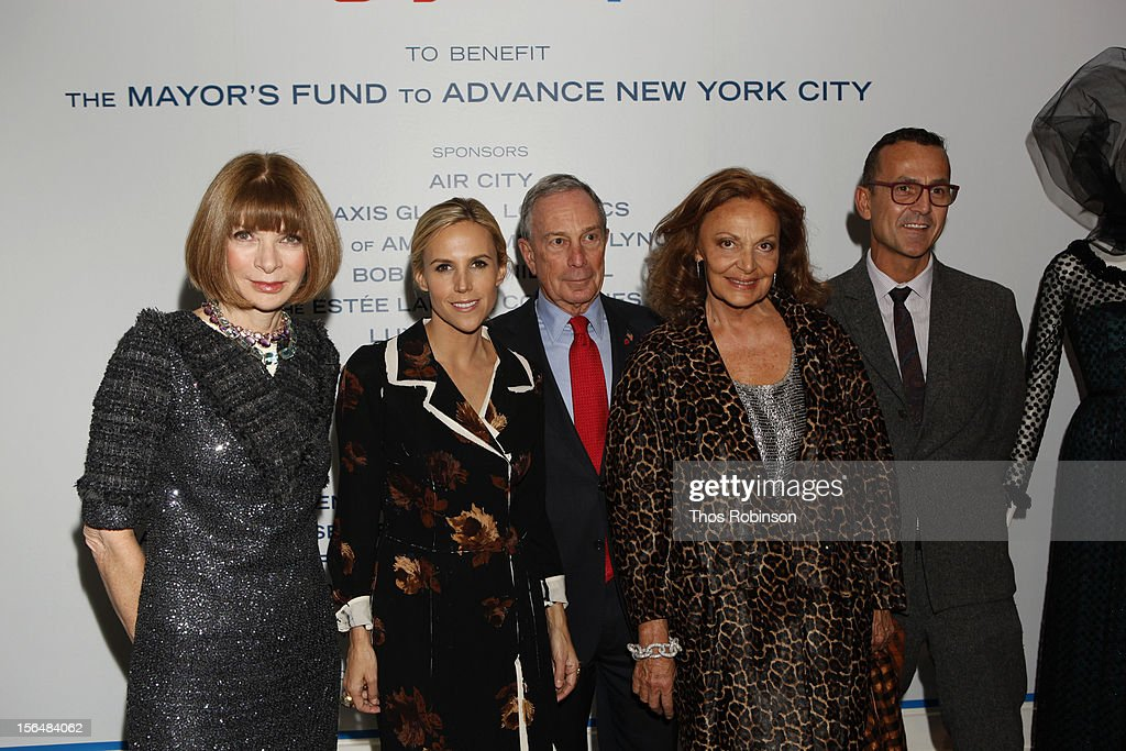 Vogue editor in chief, Anna Wintour, designer Tory Burch, New York City mayor Michael Bloomberg, designer Diane Von Furstenberg, and Steven Kolb, CEO of the Council of Fashion Designers of America attend Fashion For Sandy Relief at Metropolitan Pavilion on November 15, 2012 in New York City.