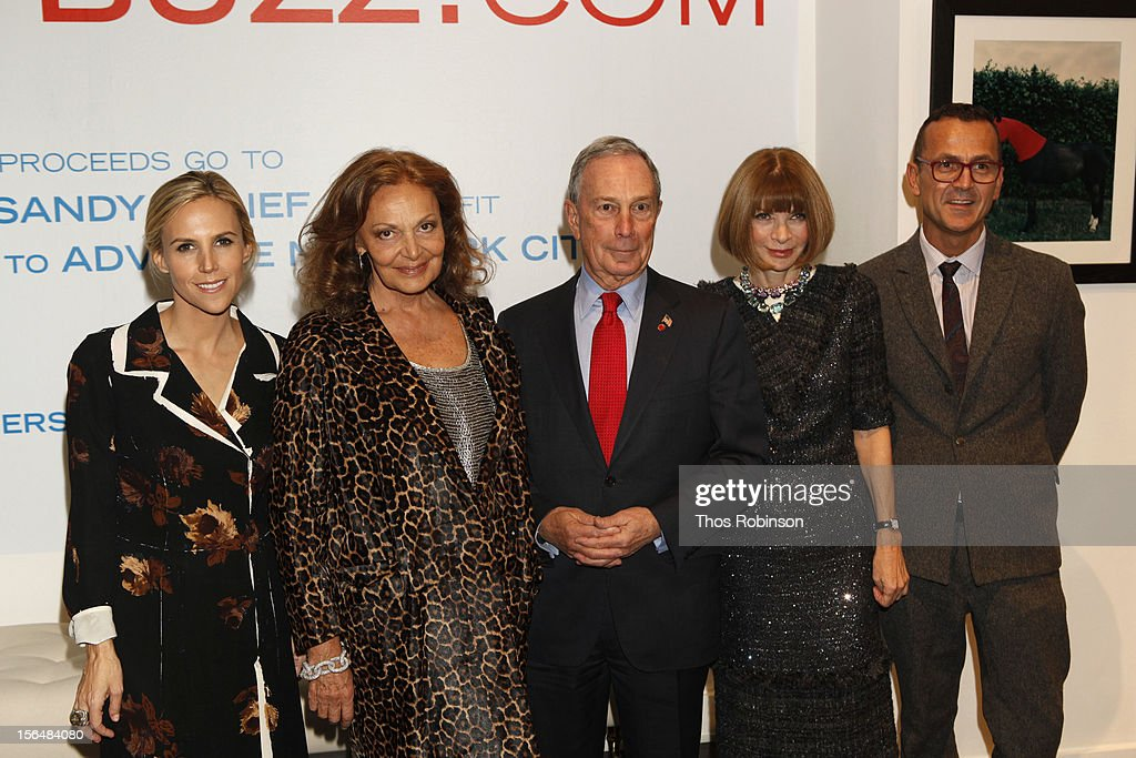 Vogue editor in chief, <a gi-track='captionPersonalityLinkClicked' href=/galleries/search?phrase=Anna+Wintour&family=editorial&specificpeople=202210 ng-click='$event.stopPropagation()'>Anna Wintour</a>, designer Tory Burch, New York City mayor <a gi-track='captionPersonalityLinkClicked' href=/galleries/search?phrase=Michael+Bloomberg&family=editorial&specificpeople=171685 ng-click='$event.stopPropagation()'>Michael Bloomberg</a>, designer Diane Von Furstenberg, and <a gi-track='captionPersonalityLinkClicked' href=/galleries/search?phrase=Steven+Kolb&family=editorial&specificpeople=854812 ng-click='$event.stopPropagation()'>Steven Kolb</a>, CEO of the Council of Fashion Designers of America attend Fashion For Sandy Relief at Metropolitan Pavilion on November 15, 2012 in New York City.