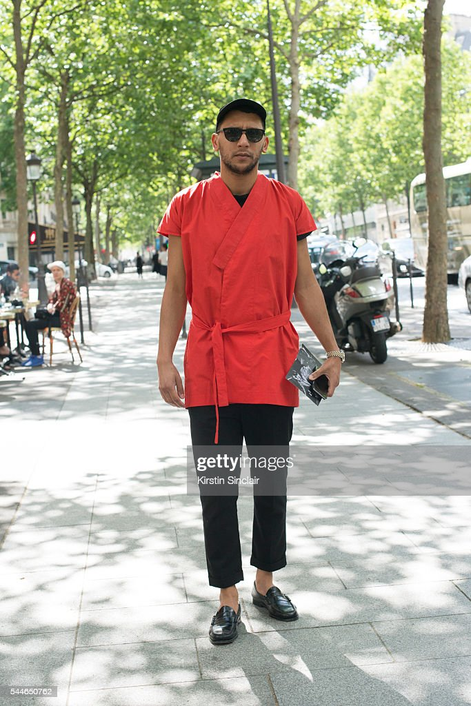 Vogue Fashion Editor Mo Anwar wearing a Jonathan Christopher jacket Comme de Garcons trousers and Weejuns shoes on day 4 of Paris Collections Men on...