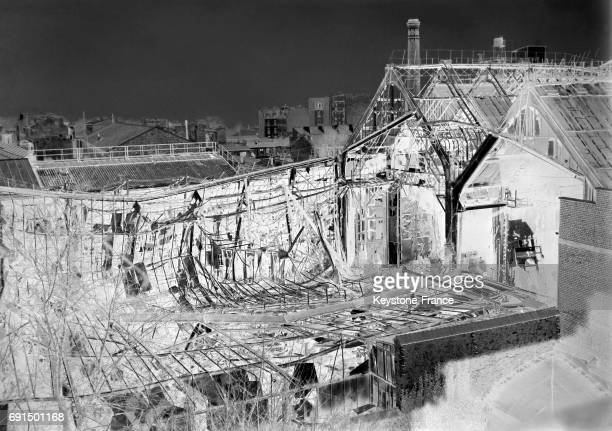 Voici un coin des studios ravagés par les flammes aux ButtesChaumont à Paris France le 1 mars 1953