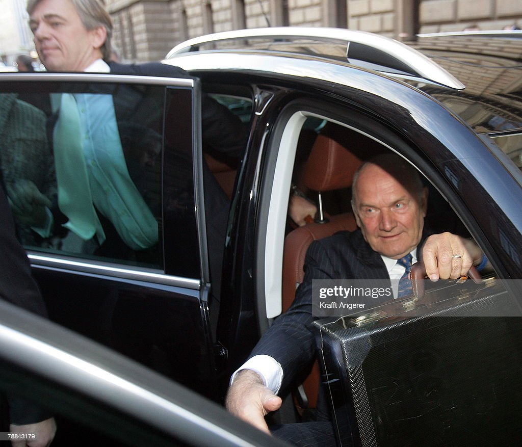 Volkswagen Chairman Ferdinand Piech (R) and his lawyer Matthias Prinz (L)arrive at court to testify in the current Volkswagen embezzlement trial January 9, 2008 in Braunschweig, Germany. Piech, who was chief executive at VW from 1993 to 2002, will face questioning over whether he knew of bribery and company-paid prostitution visits involving members of the Volkswagen works council at the time.