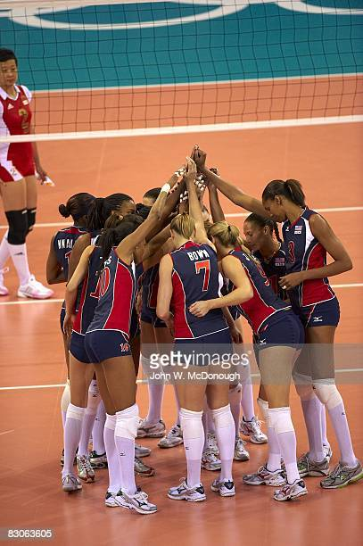 2008 Summer Olympics Team USA in huddle during Women's Preliminary vs China at Capital Indoor Stadium Beijing China 8/15/2008 CREDIT John W McDonough