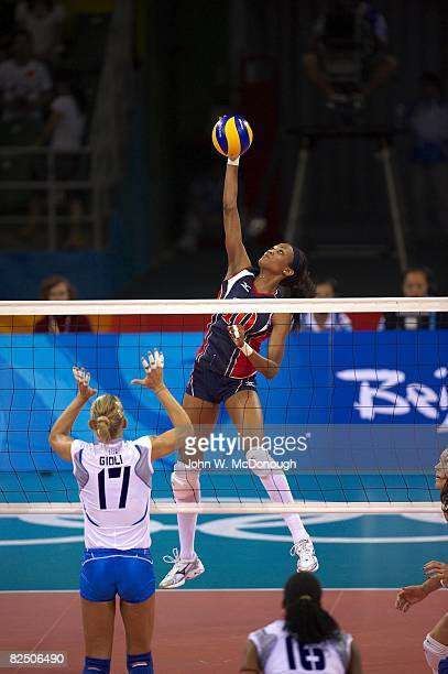 2008 Summer Olympics USA Kimberly Glass in action vs Italy during Women's Quarterfinals at Capital Indoor Stadium Beijing China 8/19/2008 CREDIT John...