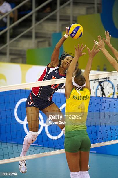 2008 Summer Olympics USA Kimberly Glass in action vs Brazil Walewska Oliveira during Women's Gold Medal Game at Capital Indoor Stadium Beijing China...