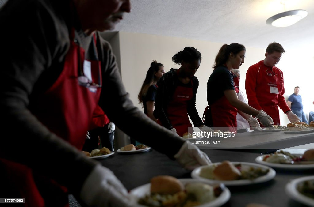 Rescue Mission Offers Thanksgiving Meal To Those In Need