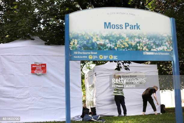TORONTO ON AUGUST 14 Volunteers set up the site With an epidemic of overdose deaths a group of harm reduction workers have opened a popup safe...