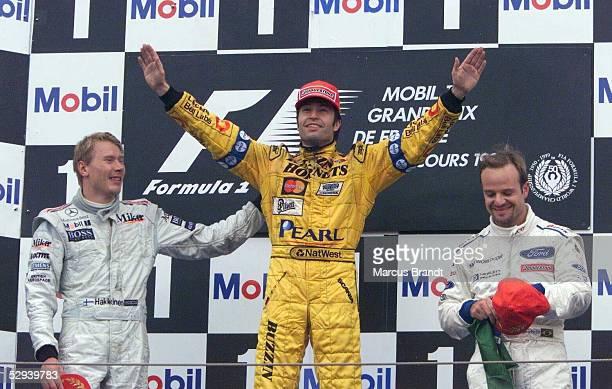 GP von FRANKREICH 1999 in Magny Cours SIEGEREHRUNG 2 Mika HAEKKINEN/FIN McLAREN MERCEDES SIEGER HeinzHarald FRENTZEN/GER JORDAN MUGEN HONDA 3 Rubens...