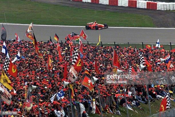 GP von LUXEMBURG 1998 Nuerburgring Michael SCHUMACHER/FERRARI Fans/Fan