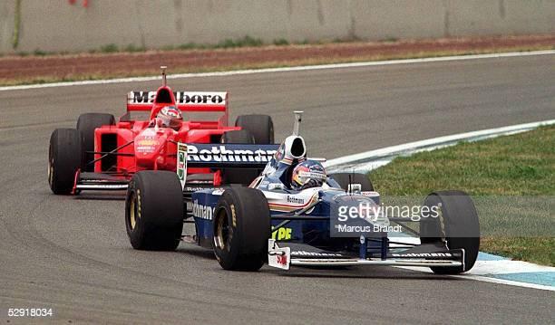 GP von SPANIEN 1997 Barcelona Jacques VILLENEUVE/WILLIAMS RENAULT vor Michael SCHUMACHER/FERRARI