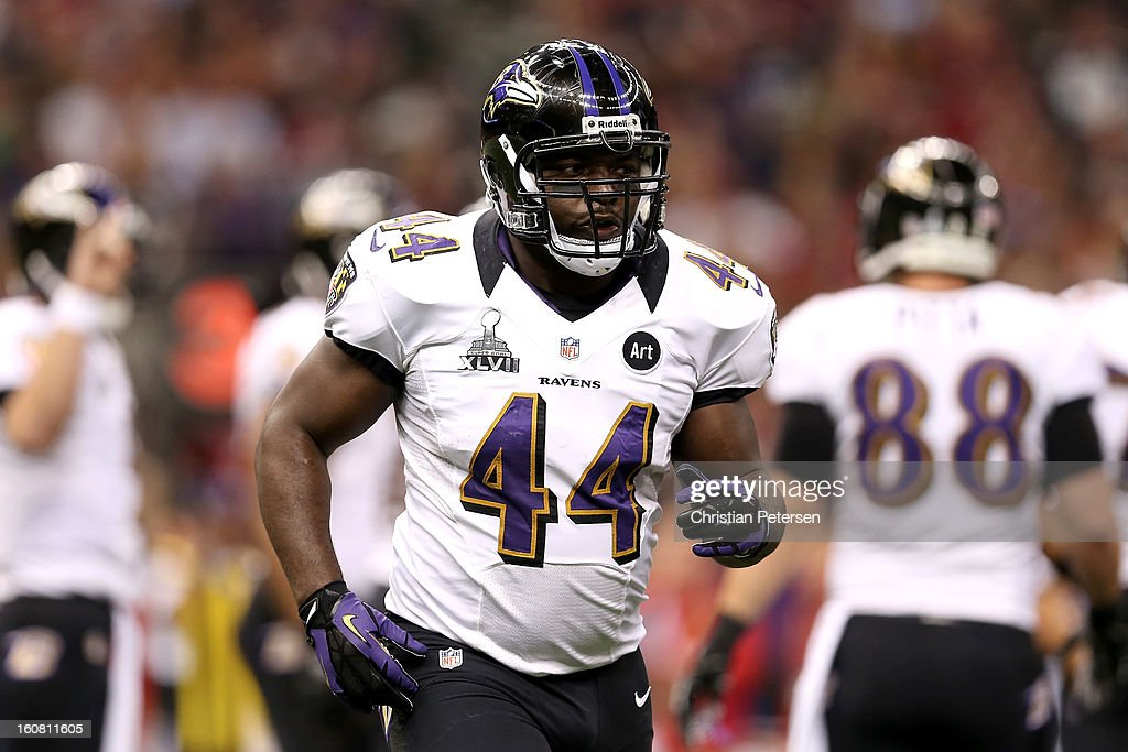 Vonta Leach of the Baltimore Ravens runs off of the field against the San Francisco 49ers during Super Bowl XLVII at the MercedesBenz Superdome on...