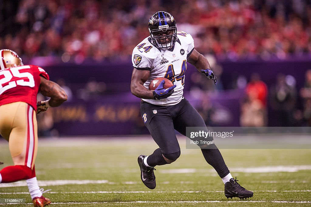Vonta Leach of the Baltimore Ravens runs the ball during Super Bowl XLVII against the San Francisco 49ers on February 3 2013 in New Orleans Louisiana
