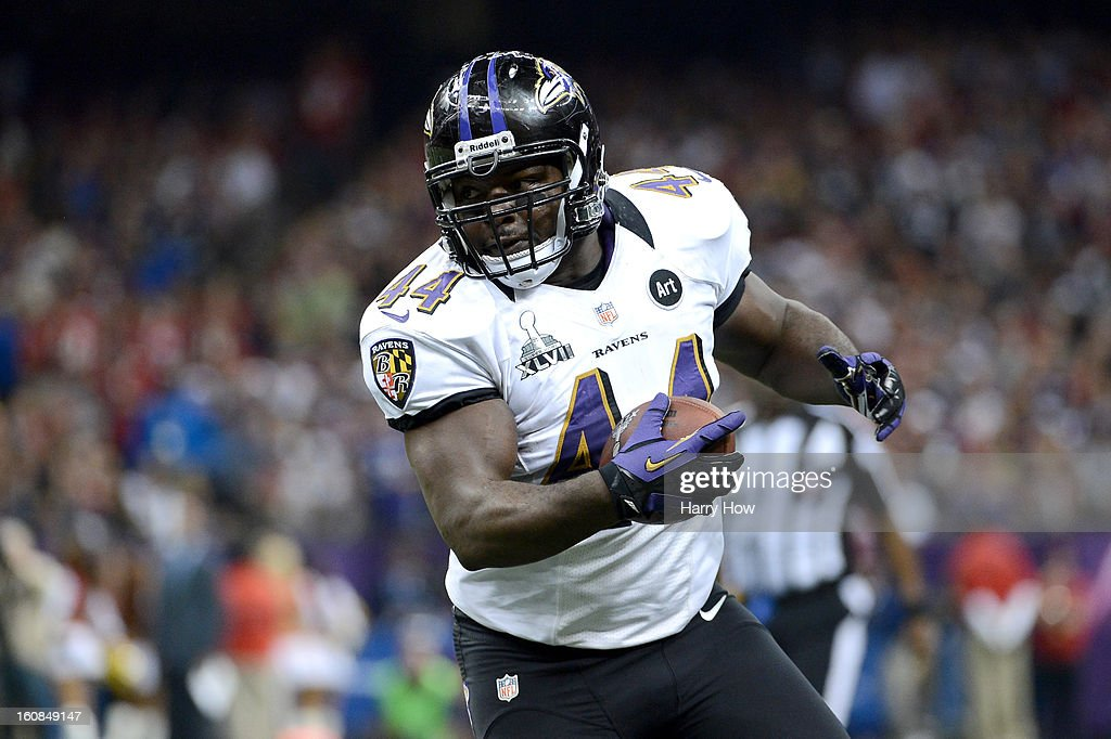 <a gi-track='captionPersonalityLinkClicked' href=/galleries/search?phrase=Vonta+Leach&family=editorial&specificpeople=2147886 ng-click='$event.stopPropagation()'>Vonta Leach</a> #44 of the Baltimore Ravens runs with the ball against the San Francisco 49ers during Super Bowl XLVII at the Mercedes-Benz Superdome on February 3, 2013 in New Orleans, Louisiana.