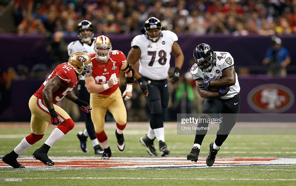 Vonta Leach of the Baltimore Ravens runs with the ball against the San Francisco 49ers during Super Bowl XLVII at the MercedesBenz Superdome on...