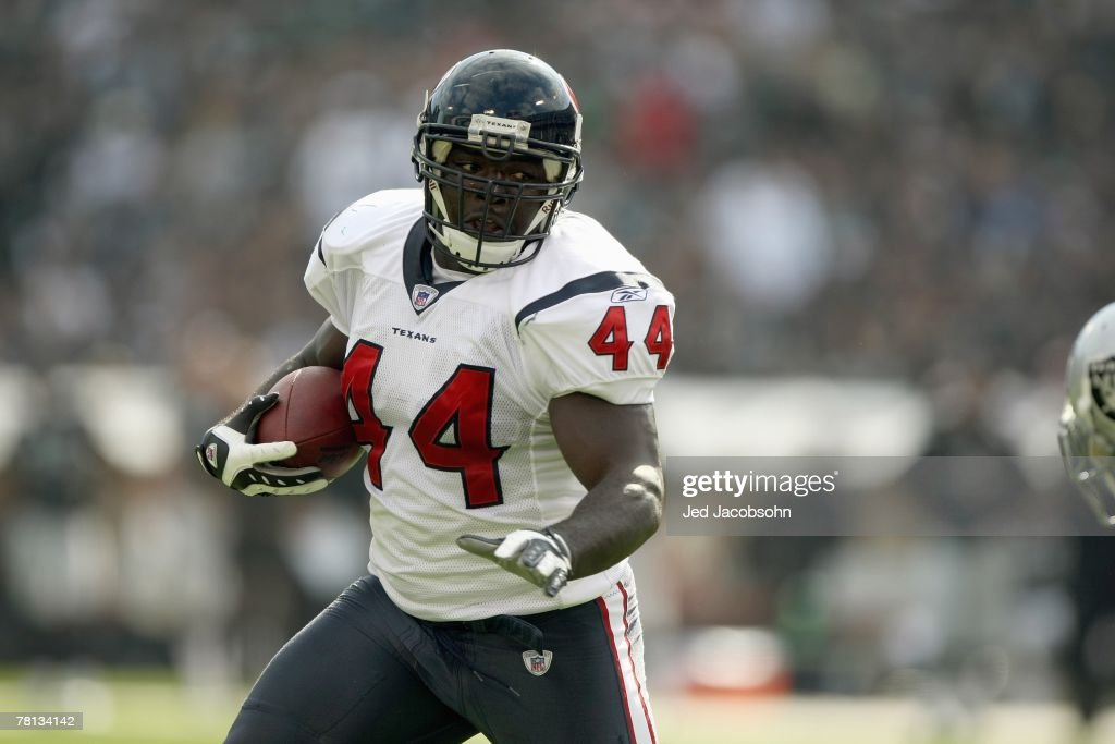 Vonta Leach of the Houston Texans carries the ball during the game against the Oakland Raiders at McAfee Coliseum November 4 2007 in Oakland...