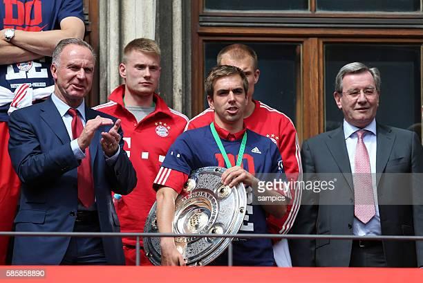 Vorstandsvorsitzender Karl Heinz Rummenigge FC Bayern München Phlipp LAHM FC Bayern München Karl Hopfner Pokal und Double Sieger FC Bayern München...