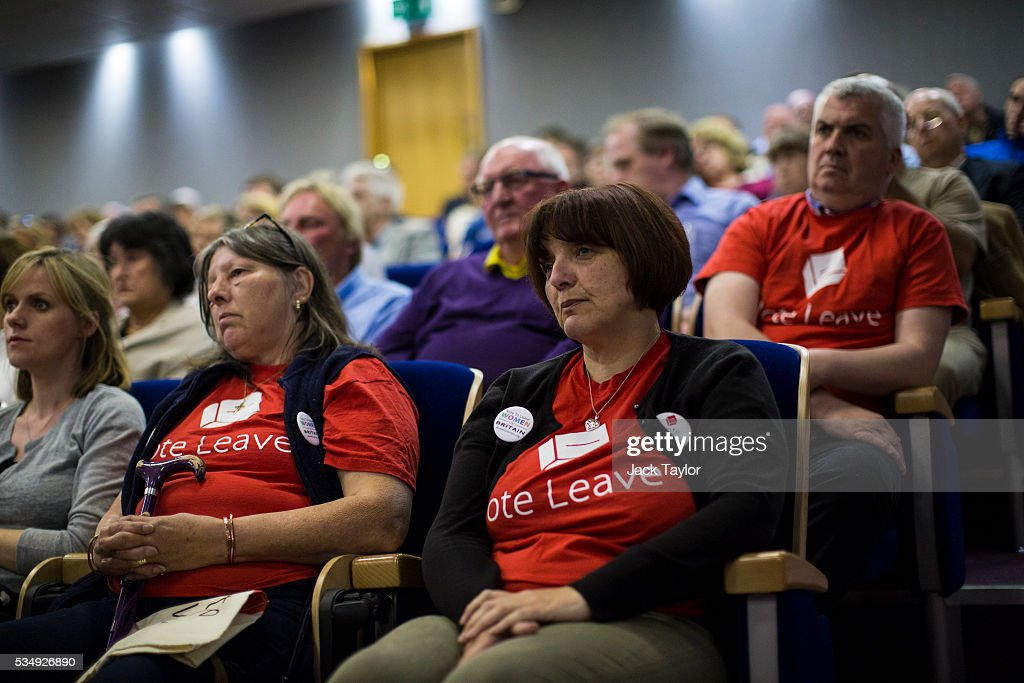 Vote leave supporters listen as Conservative politicians talk at Kent County Council on May 28, 2016 in Maidstone, England. Prominent members of the Conservative Party are campaigning on behalf of Vote Leave in Kent today, ahead of the EU referendum on June 23rd.