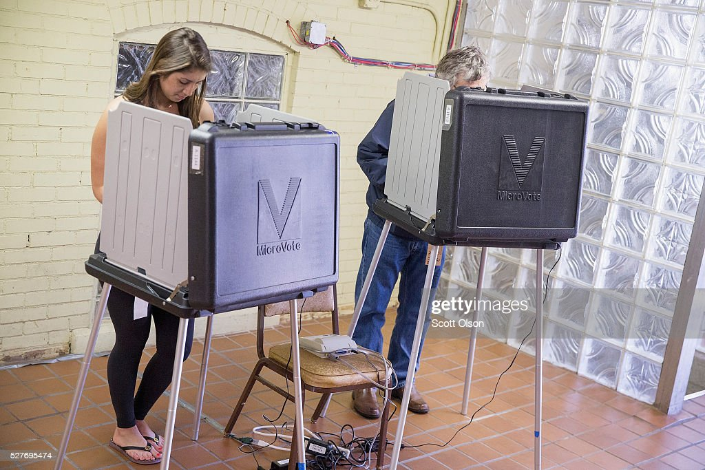 Voters cast their ballots at a polling place on May 3, 2016 in Whiting, Indiana. Indiana residents are voting today to decide Republican and Democrat presidential nominees.