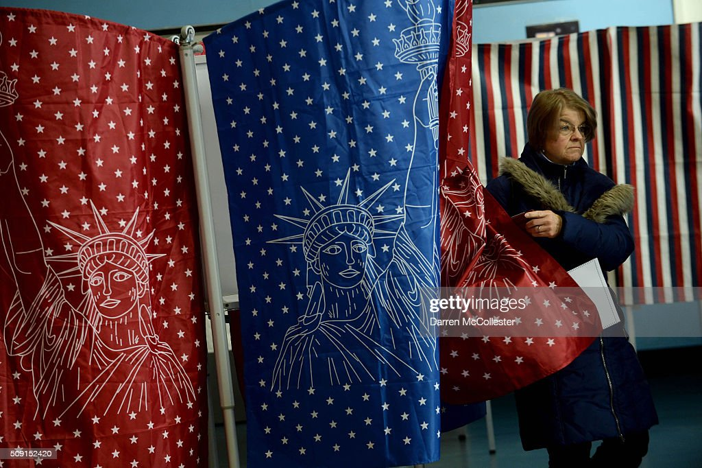Voters cast their ballots at the Bishop Leo E. O'Neil Youth Center February 9, 2016 in Manchester, New Hampshire. New Hampshire voters finally go to the polls in the first in the nation primary state that begins the long election season.