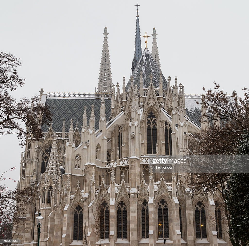 Votice Church in Vienna in the Winter with Snow : Bildbanksbilder