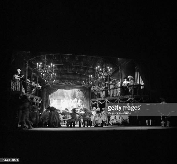 Vue de la scène pendant 'Cyrano de Bergerac' à Paris France en 1961