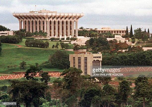vue du Palais presidentielle et residence de Paul Biya YAO03 19971013 YAOUNDE CAMEROON View of the Presidential Palace and the residence of incumbent...