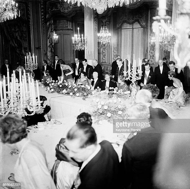 Vue générale lors du diner de gala donné en l'honneur du Président de la République fédérale d'Allemagne Heinrich Lübke dans les salons du Palais de...