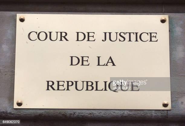 vue le 04 février à l'entrée du siège rue de Constantine à Paris de la plaque de la Cour de Justice de la République quelques jours avant l'ouverture...