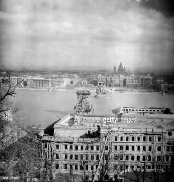 Vue partielle du Palais Royal de Budapest Hongrie en 1946