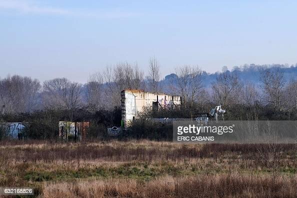Vue prise le 20 janvier 2017 d'une ruine d'un ancien bâtiment de l'usine AZF de Toulouse avant l'explosion du 21 septembre 2001 Un troisième procès...