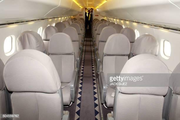 Vue réalisée le 12 mai 2003 à l'aéroport de Roissy Charles de Gaulle de l'intérieur d'un avion supersonique francobritannique Concorde Le dernier vol...