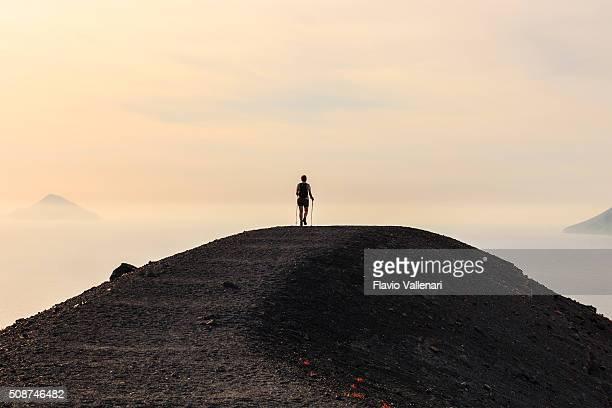 Vulcano 、小道-エオリア諸島でシチリア