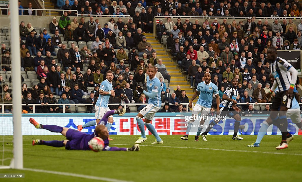 Vurnon Anita (2nd R) of Newcastle United scores a goal to level the scores at 1-1 during the Barclays Premier League match between Newcastle United and Manchester City at St James' Park on April 19, 2016 in Newcastle, England.