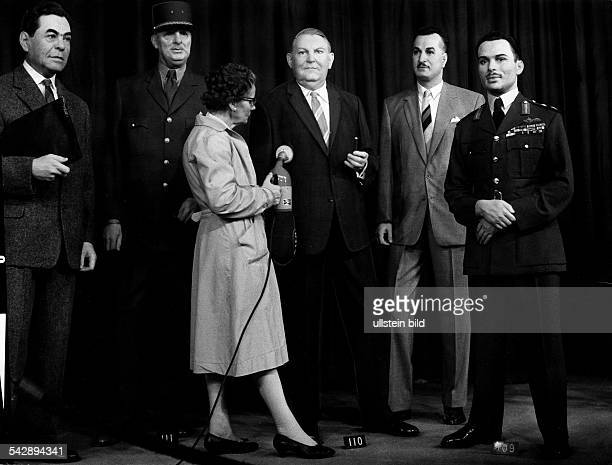 Wachsfigurenkabinett Madame Tussaud's in London Grossbritannien Saeuberung der Wachsfiguren veroeff 1965