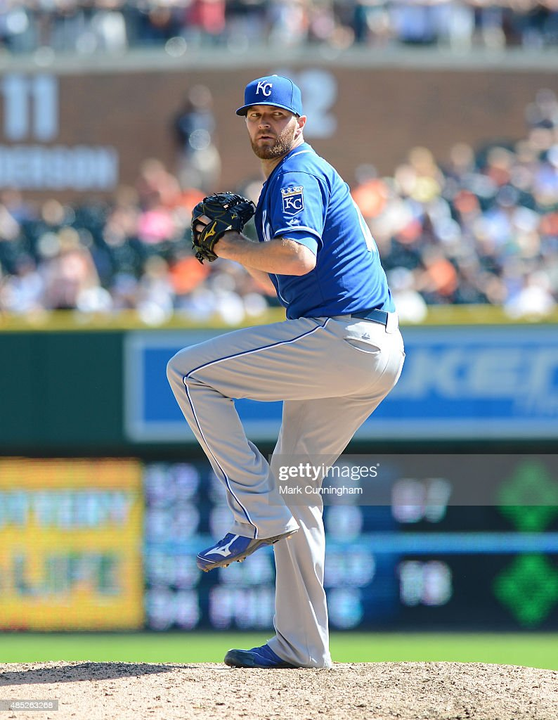 <a gi-track='captionPersonalityLinkClicked' href=/galleries/search?phrase=Wade+Davis+-+Baseball+Player&family=editorial&specificpeople=8202494 ng-click='$event.stopPropagation()'>Wade Davis</a> #17 of the Kansas City Royals pitches during the game against the Detroit Tigers at Comerica Park on August 6, 2015 in Detroit, Michigan. The Tigers defeated the Royals 8-6.