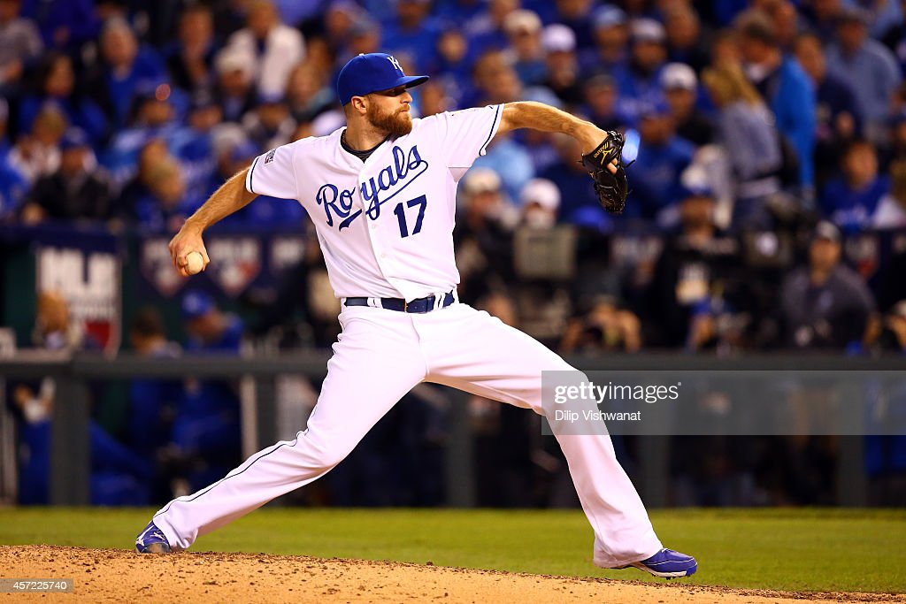 Wade Davis #17 of the Kansas City Royals throws a pitch in the eighth inning against the Baltimore Orioles during Game Three of the American League Championship Series at Kauffman Stadium on October 14, 2014 in Kansas City, Missouri.
