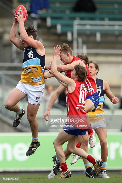 Wade Donnan of the Pioneers marks the ball during the round 18 TAC Cup match between Gippsland Power and Bendigo Pioneers at Ikon Park on August 27...