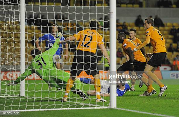 Wade Elliott of Birmingham scores to make 10 during the FA Cup Third Round replay between Wolverhampton Wanderers and Birmingham City at Molineux on...