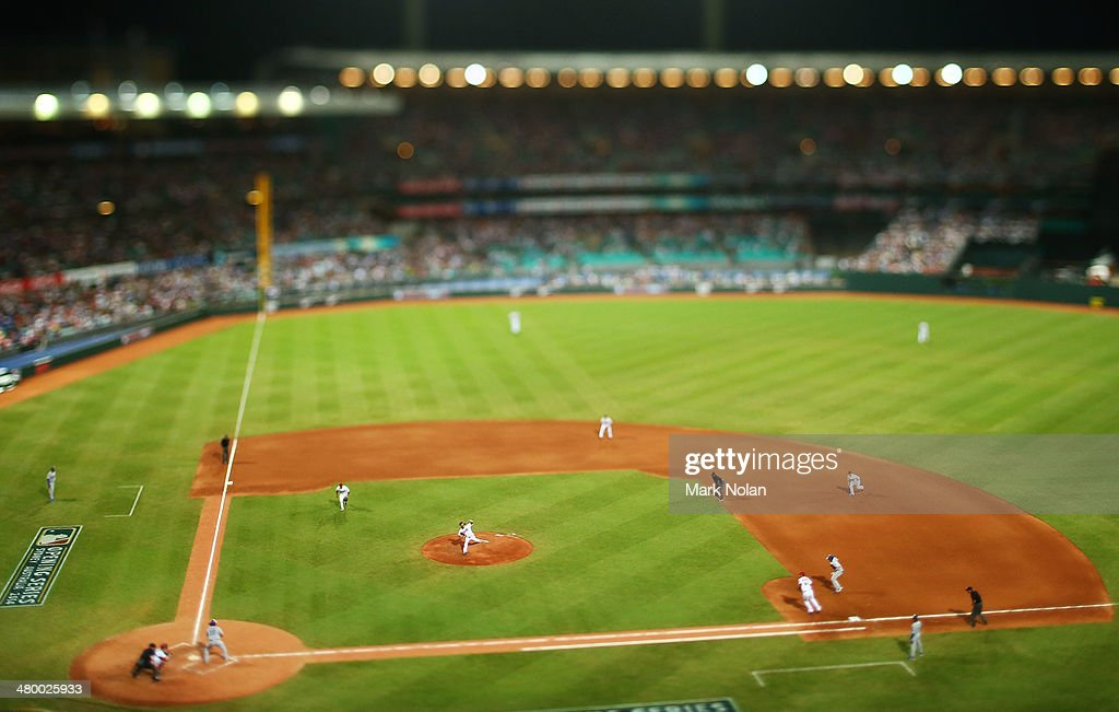 Wade Miley of the Diamondbacks pitches to Clayton Kershaw of the Dodgers during the opening match of the MLB season between the Los Angeles Dodgers and the Arizona Diamondbacks at Sydney Cricket Ground on March 22, 2014 in Sydney, Australia.