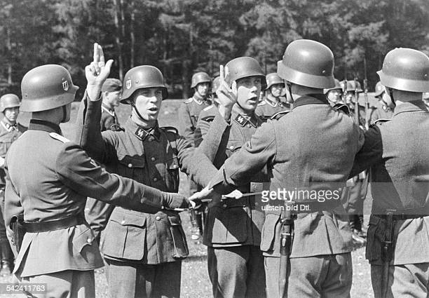 'Germanic' volunteers of the newly built up SSStandarte 'Nordland' during swearingin ceremony Spring 1941