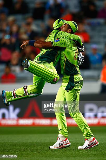 Wahab Riaz of Pakistan celebrates catching out JP Duminy of South Africa during the 2015 ICC Cricket World Cup match between South Africa and...