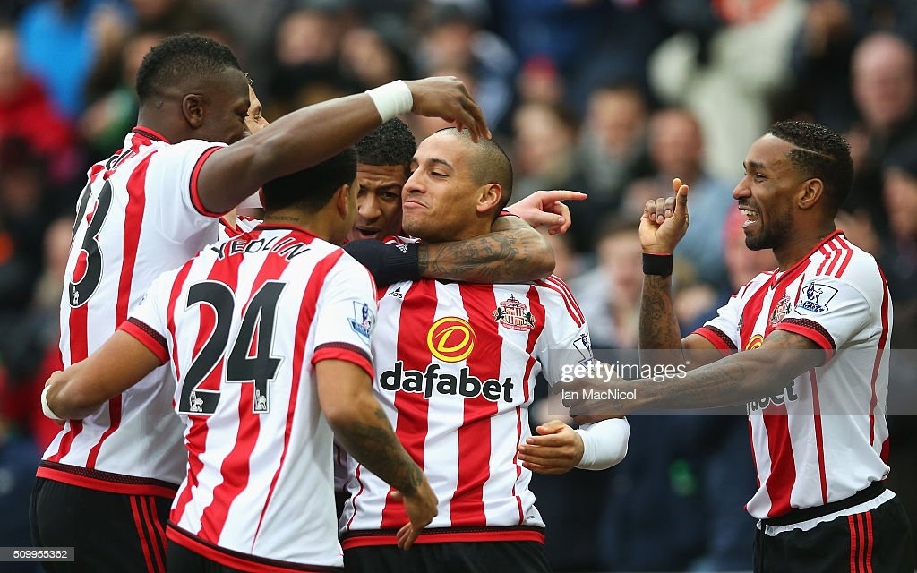 Wahbi Khazri (C) of Sunderland celebrates scoring his team's first goal with his team mates during the Barclays Premier League match between Sunderland and Manchester United at the Stadium of Light on February 13, 2016 in Sunderland, England.