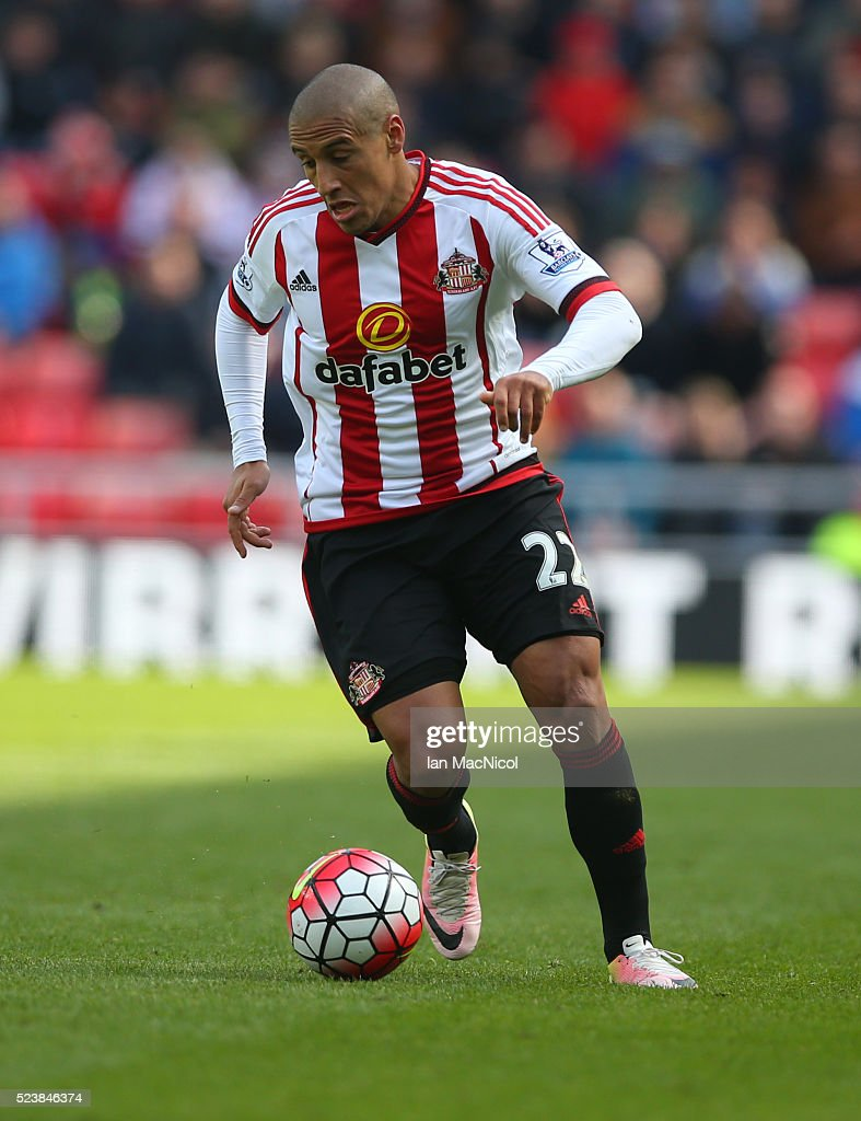 <a gi-track='captionPersonalityLinkClicked' href=/galleries/search?phrase=Wahbi+Khazri&family=editorial&specificpeople=7211185 ng-click='$event.stopPropagation()'>Wahbi Khazri</a> of Sunderland controls the ball during the Barclays Premier League match between Sunderland and Arsenal at The Stadium of Light on April 24, 2016 in Sunderland, England.