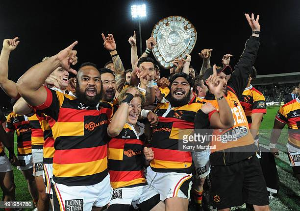 Waikato celebrate after winning the Ranfurly Shield in the round nine ITM Cup match between Hawke's Bay and Waikato on October 9 2015 in Napier New...